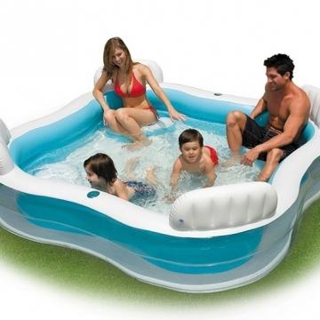 Bể bơi mini cho gia đình.