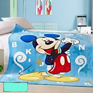 Chăn bằng lông hình Disney cho bé yêu.